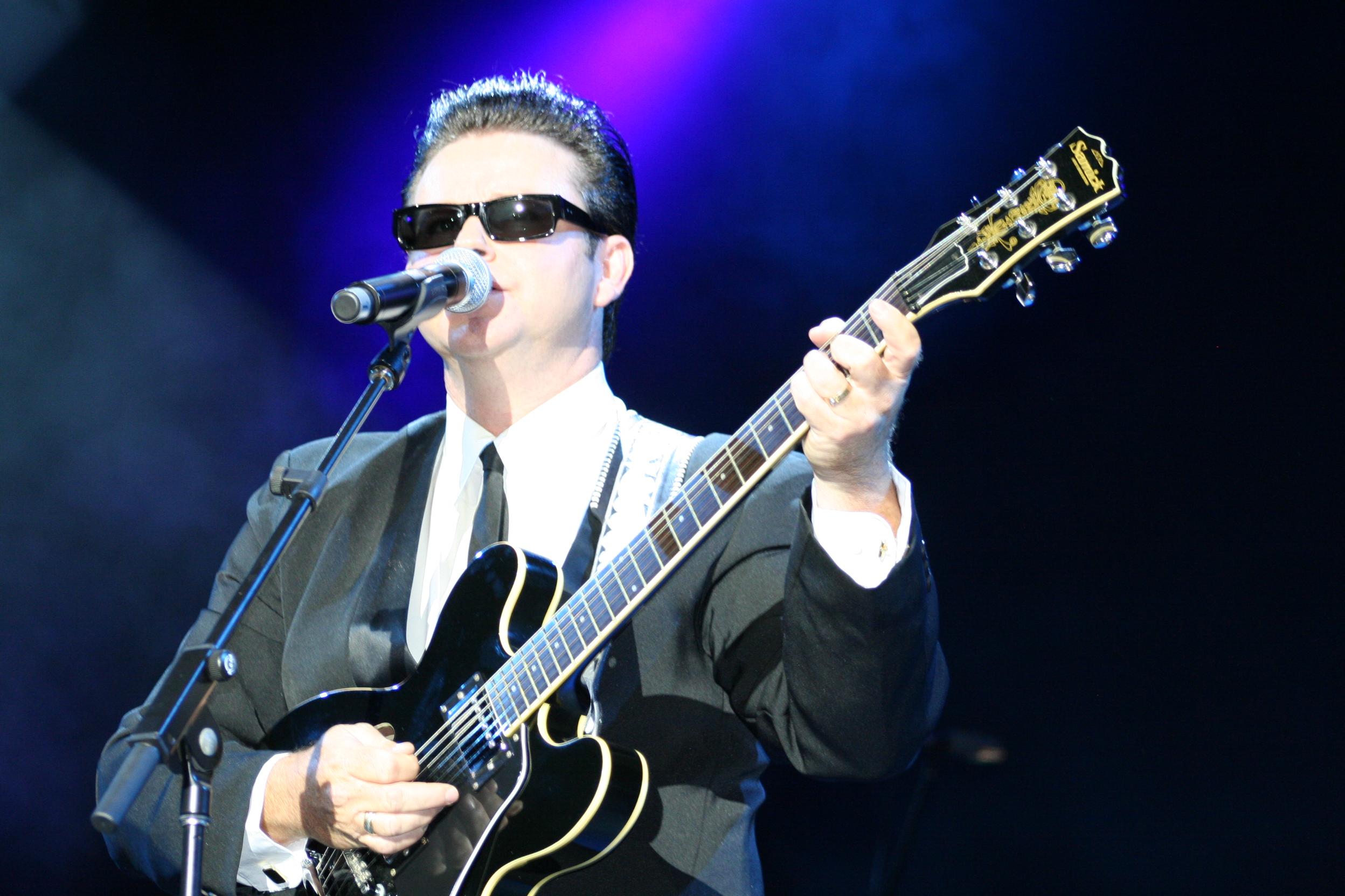 Dean Bourne – Australia's Roy Orbison Tribute Artist