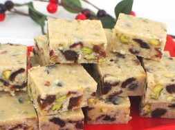 white-christmas-fudge