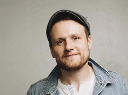 Chris-Llewellyn-of-Rend-Collective.jpg